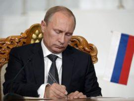 За счет чего Владимир Путин поручил в сжатые сроки повысить эффективность работы строительной отрасли