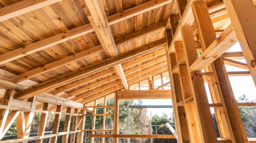 Минстрой России разрабатывает современные национальные стандарты для деревянных конструкций